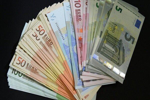 نرخ رسمی یورو کاهش یافت، قیمت 12 ارز ثابت ماند