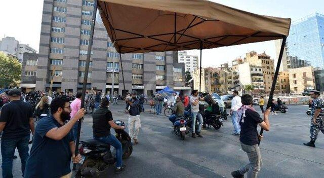 تظاهرکنندگان لبنانی در راستا کاخ ریاست جمهوری تجمع کردند