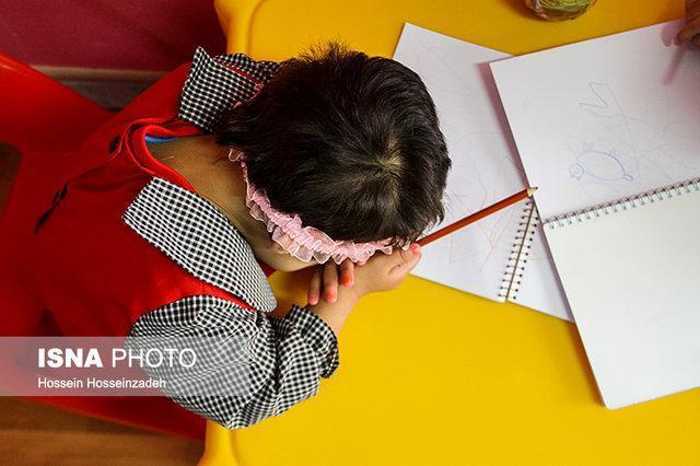 خدمات بهزیستی برای بچه هایی که فرزندخوانده نمی شوند