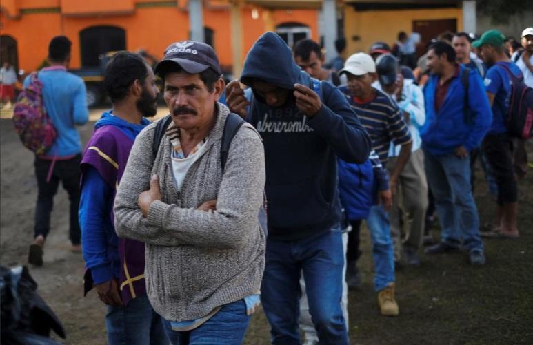 مکزیک ما را نمی خواهد، مهاجران آمریکا در مرزهای مکزیک گیر نموده اند (