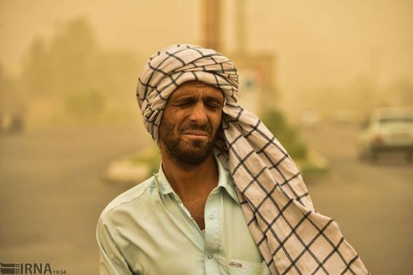 خبرنگاران سرعت وزش باد در خاش به 54 کیلومتر بر ساعت رسید