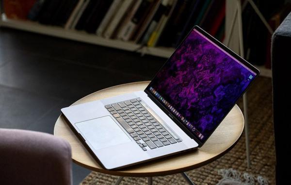 اپل اشتباهی وجود مک بوک پرو 16 اینچ M1 را به زبان آلمانی تأیید کرد