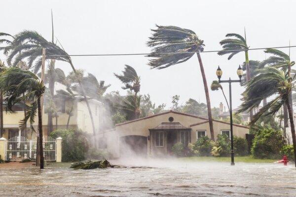 بایدن در فلوریدا حالت فوق العاده بیان کرد
